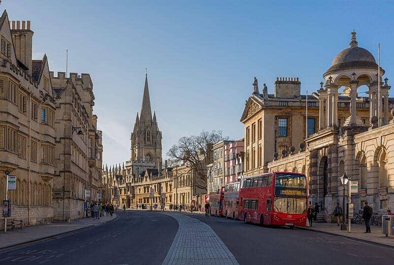 Coach tours in Britain