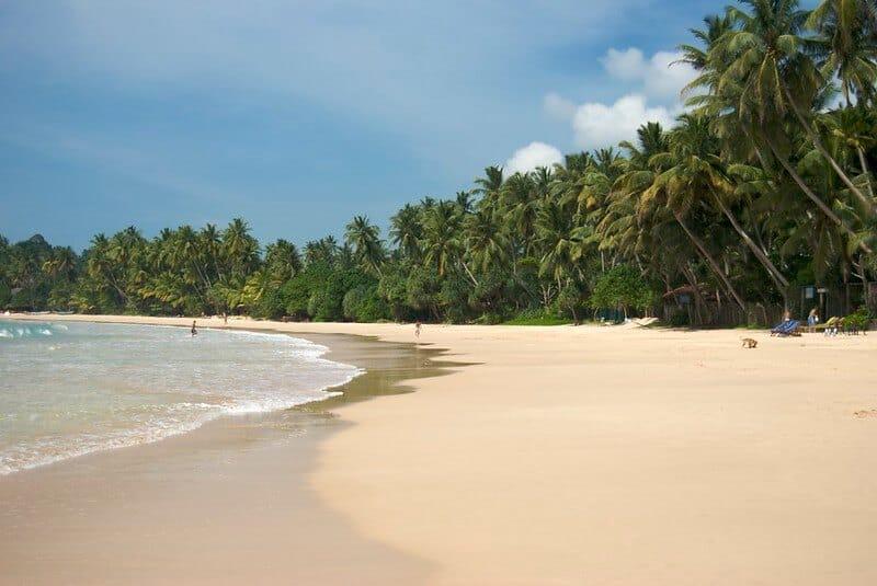 missira beach sri lanka
