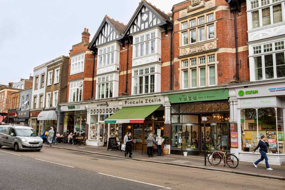 find Hotel in Ealing