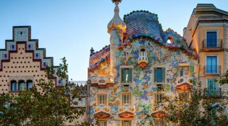 Barcelona Travel Guide: How to visit Barcelona on a budget